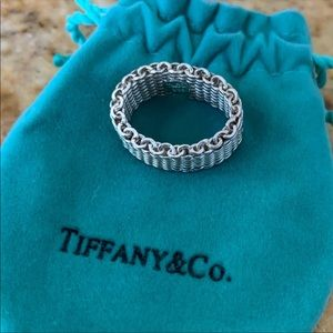 Tiffany and co. Large chain ring